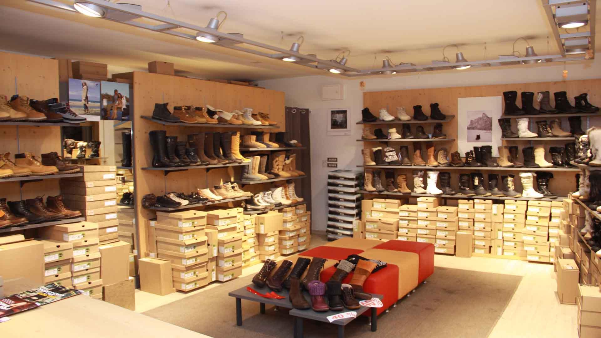 7774b8fb727e4 Negozio di scarpe - Sport Walter - Selva di Val Gardena - Dolomiti